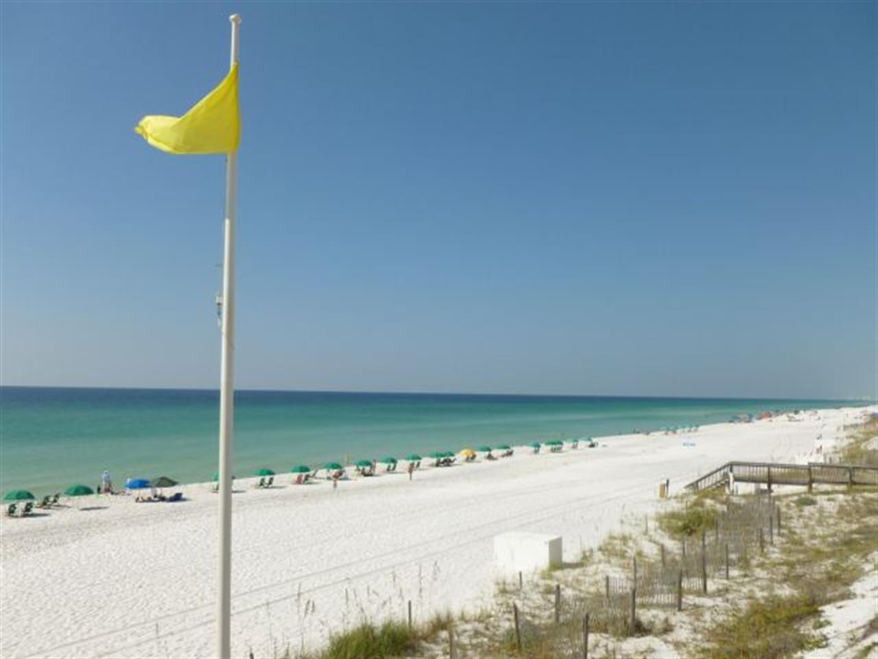 destin beach flags today
